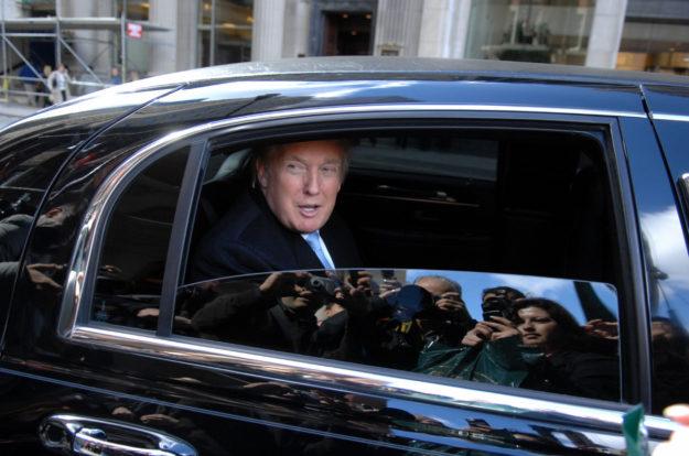 USA : Donald Trump décide de rouler à gauche pour célébrer le mariage du prince Harry